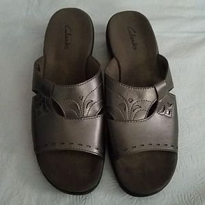 Clarks Metallic Leather Sandals Sz 7M